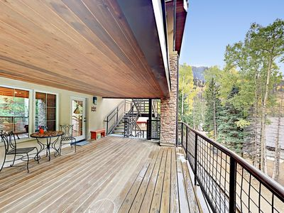 Deck - Enjoy a cup of tea or coffee on the mountain-view deck.