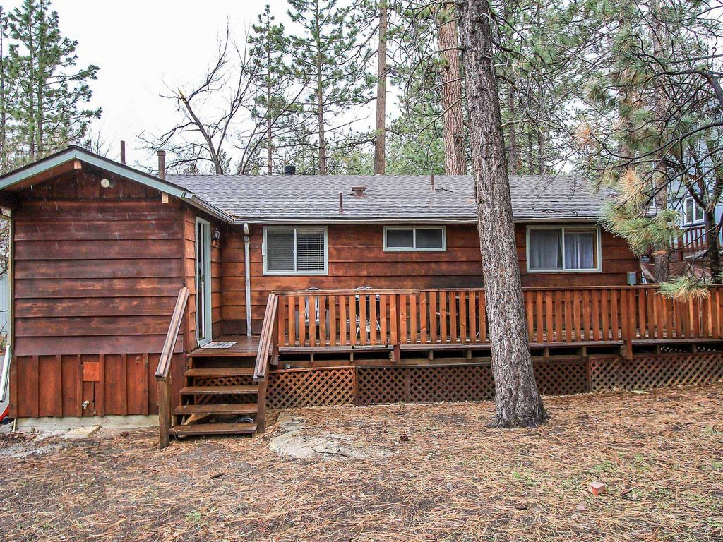Bear ridge 2 bedroom single story cabin big bear lake for Big bear 2 person cabin