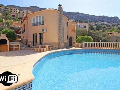 Photo for 4 bedroom Villa, sleeps 9 in la Canuta with Pool, Air Con and WiFi
