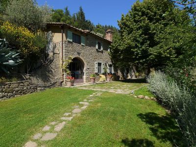 Photo for Villa in the hills of Cortona, with private swimming pool and stunning views