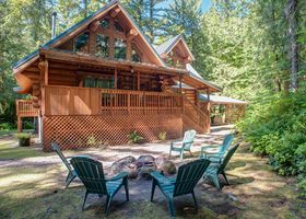 Photo for 4BR Cabin Vacation Rental in Marmot, Oregon
