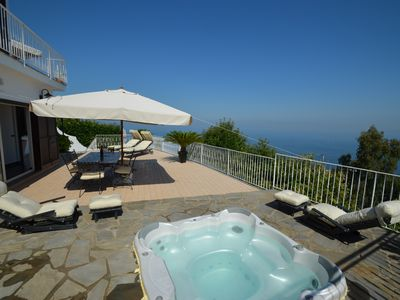 Photo for Villa-sea-view-tub Parking