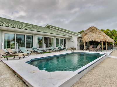 Photo for Reel `Em In 3bed/2 bath single family  with private pool & dockage