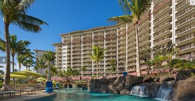 Photo for Amazing spacious suite on Ka'anapali Beach, Maui! Fits 8 easily but room 4 more!