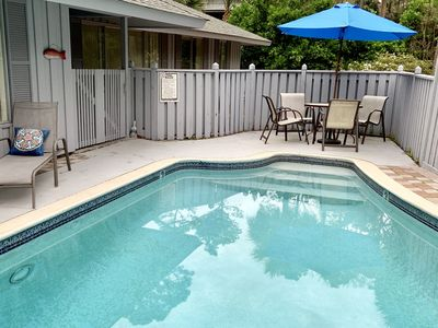 Photo for 4th row! new listing! 2 min walk to beautiful Sea Pines beach! private pool!