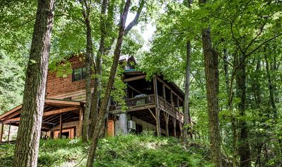 Photo for Hidden Cove on the doorstep of Downtown Asheville; HOT TUB, Game Rm, LUXURY!