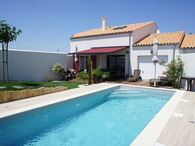 Photo for Private pool heated to 29 ° C from April to November - La Maison de Cérès-