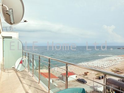 Photo for Apartment with fantastic sea views right on the beach