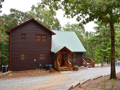 Photo for 3BR/3BA, Sleeps 8, WiFi, Gas Log Fireplace, Fire-Pit, Gas Grill, Hot Tub, Pool Table, Screened Porch