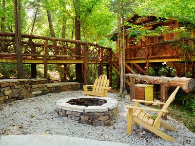 Photo for The 87 Getaway Natural Treehouse Retreat