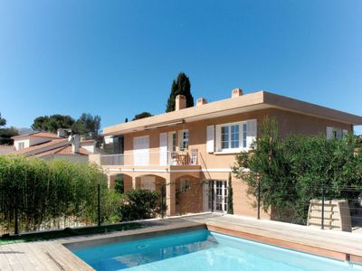 Photo for Apartment Ferienwohnung mit Pool (BAN130) in Bandol - 2 persons, 1 bedrooms