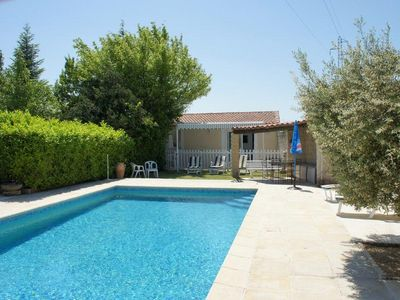Photo for Holiday cottage home with private pool in Robion - Luberon - Provence