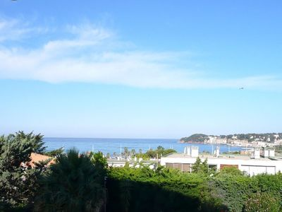 Photo for Charming T2 panoramic sea view and Sanary, 400m beach, terrace