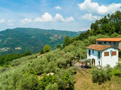 Photo for Holiday home with private swimming pool and beautiful rural view