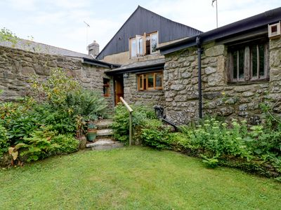 Photo for TRILBYS, romantic, with a garden in Chagford, Ref 985194