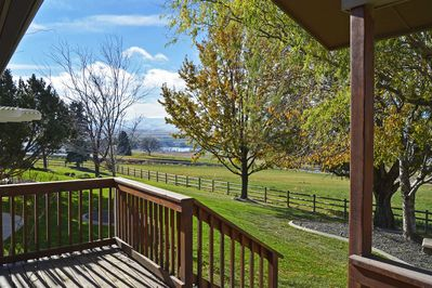 This 2-bedroom vacation rental is ideal for a Caldwell wine country retreat.