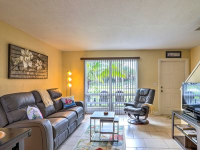 Photo for Fort Pierce Townhome w/ Patio - Near Beach!