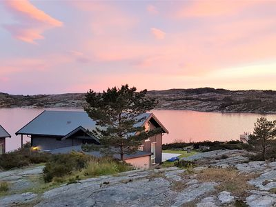 Photo for Modern cabin by the sea.  Walk straight from the garden to the beach in 1 minute