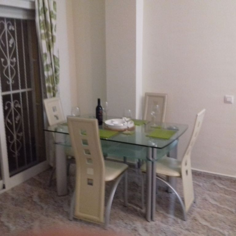 Spacious 2nd-floor apartment with 3 bedrooms, 2 bathrooms, and a solarium   - Orihuela