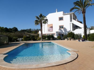 Photo for One bedroom apartment, AC, pools, up to four people, 200 meters from the beach