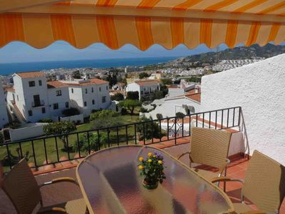 Photo for Great penthouse apartment with stunning views over the city to the sea