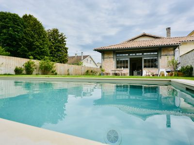 Photo for Superb quiet house swimming pool 10 minutes from the center of Bordeaux