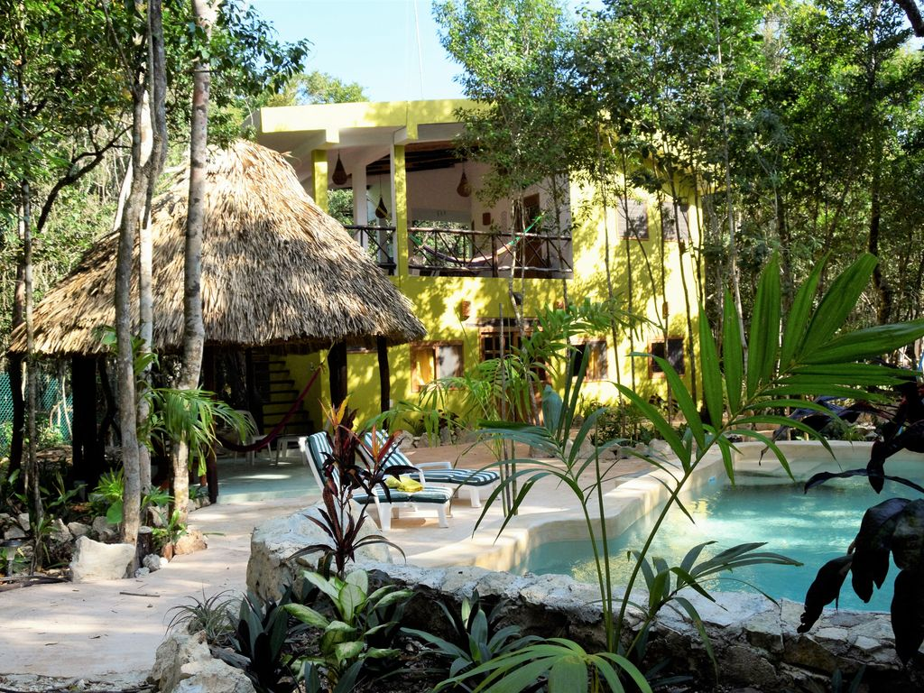 Jungle 2nd floor studio - paradise close to Tulum with WiFi, pool, electricity