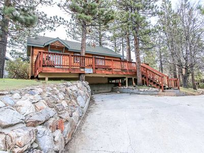 Photo for Angel's Retreat - Walk to Lake/The Village! WiFi, and Cozy Fireplace! FREE 2 HR Bike/Kayak Rental!