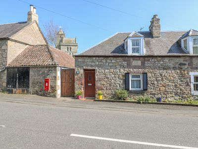 Photo for KIRKGATE COTTAGE, pet friendly in Chirnside, Ref 950825