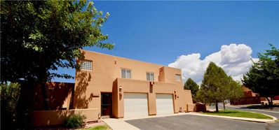 Photo for Pet Friendly Condo, King Size Bed, Outdoor Pool, Amazing Views, Near Moab Golf Course