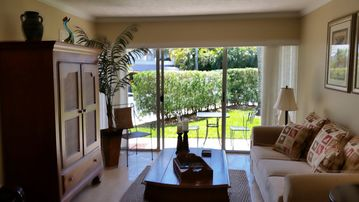 Quiet, comfortable condo accommodating two to three along the Marco River