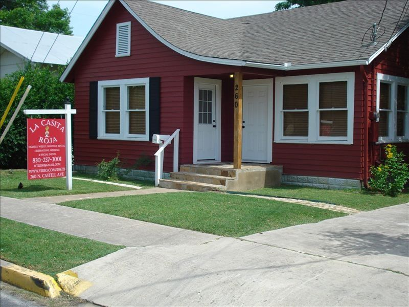 La casita roja newly renovated home in historic downtown - 2 bedroom suites in new braunfels tx ...