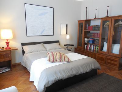 Photo for Large comfortable apartment - 15 minutes from the historic center - Francesca