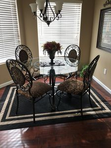 Dining nook area