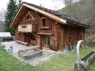 Photo for Chalet at the foot of Mt Blanc in an atypical setting.
