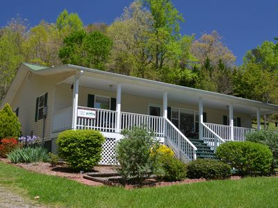 Photo for Easy access, minutes to Folk School, downtown Murphy, and Casino. Pet friendly