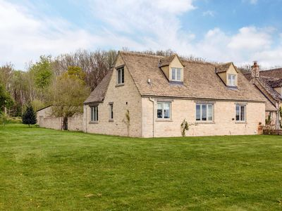 Photo for Charming Cotswolds Family Home in Oxfordshire