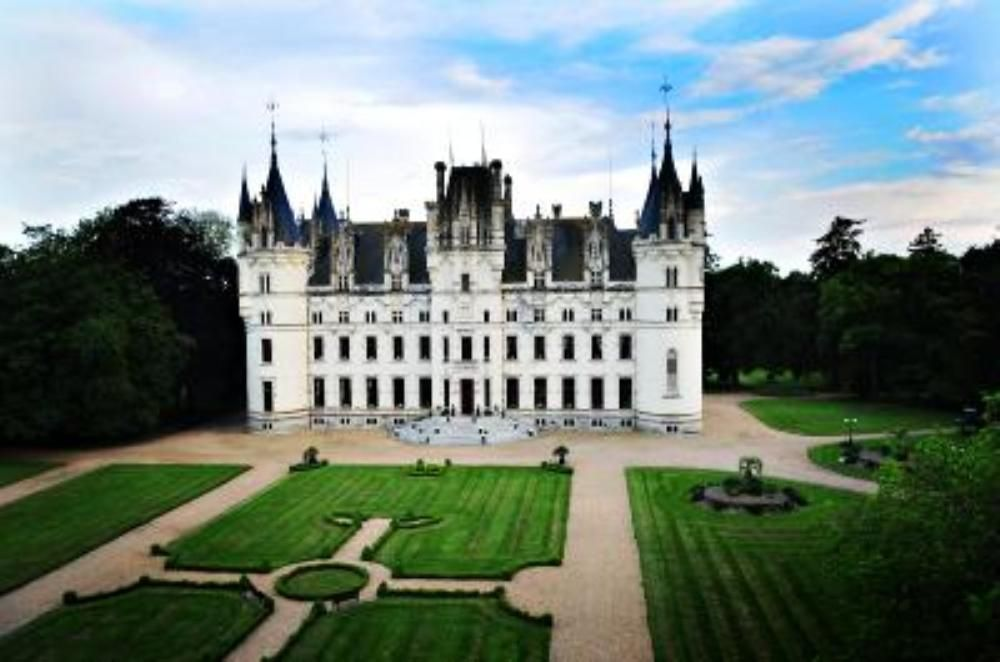 French chateau wedding venue for rent for luxury events