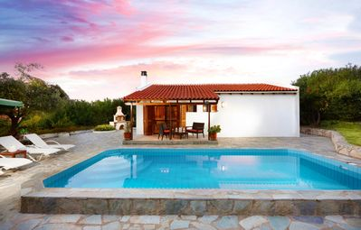 Photo for Adorable villa with 2 pools amidst olive groves - disCRETE VILLA Pigi