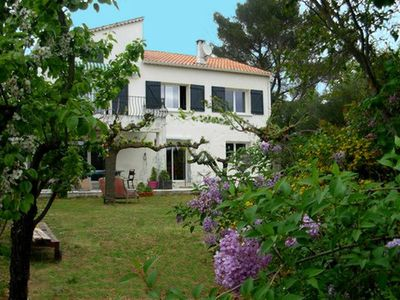 Photo for Detached villa 6 pers, large garden, swimming pool, near center Lorgues