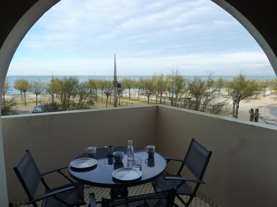 Photo for Apartment facing the ocean on the beach of Hossegor