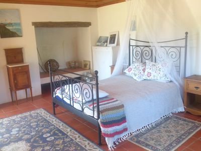 2nd room with separate private entrance and 1/2 bathroom