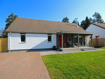 Photo for Detached holiday home with hot tub and sauna on Aviemore Ski road