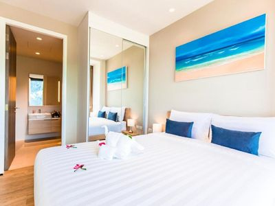 Photo for Superb Grand Two Bedroom Suite+Breakfast+ Free Shuttle to