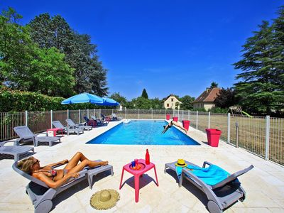 Photo for Near Rocamadour, very tourist area, Dordogne valley, house with private pool.