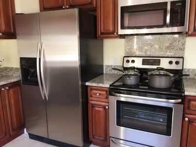 kitchen,stainless appliances,just like your own home
