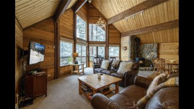 Photo for Large, multi-level, sunny cabin in Tahoe Donner
