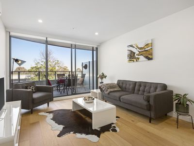 Photo for luxury & comfort, close to all with car park Bundoora