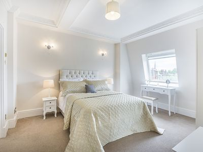 Photo for Luxury 2 bedroom in South Kensington