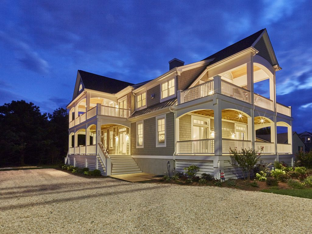 Brand new beautifully appointed multi family home on lewes for Multi family beach house rentals